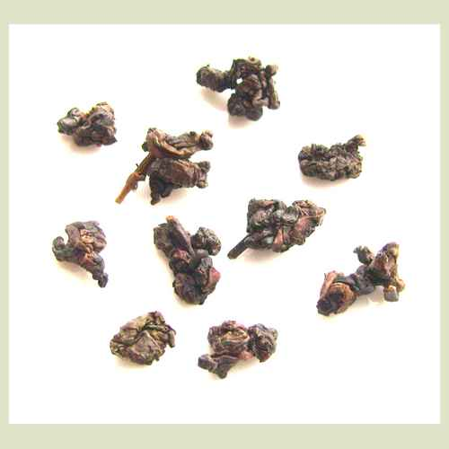 Tea Time at Reverie: Tea From Taiwan's Dong Ding Ming Xiang Oolong Tea (2/3)
